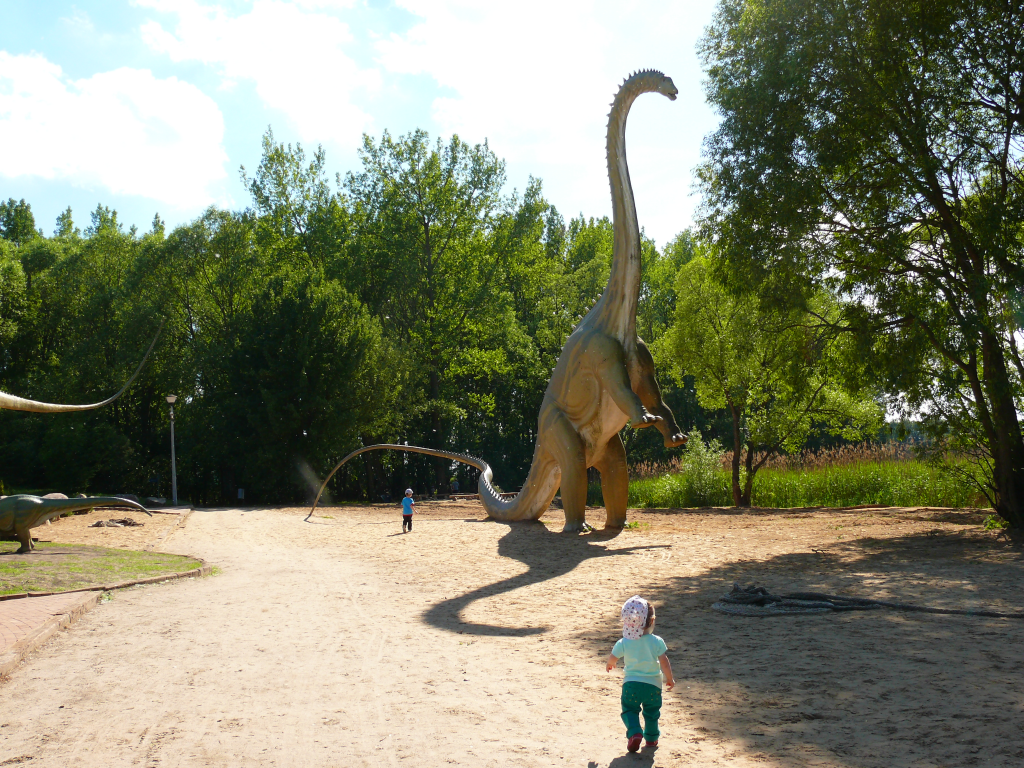 Park dinozaurów w Rogowie