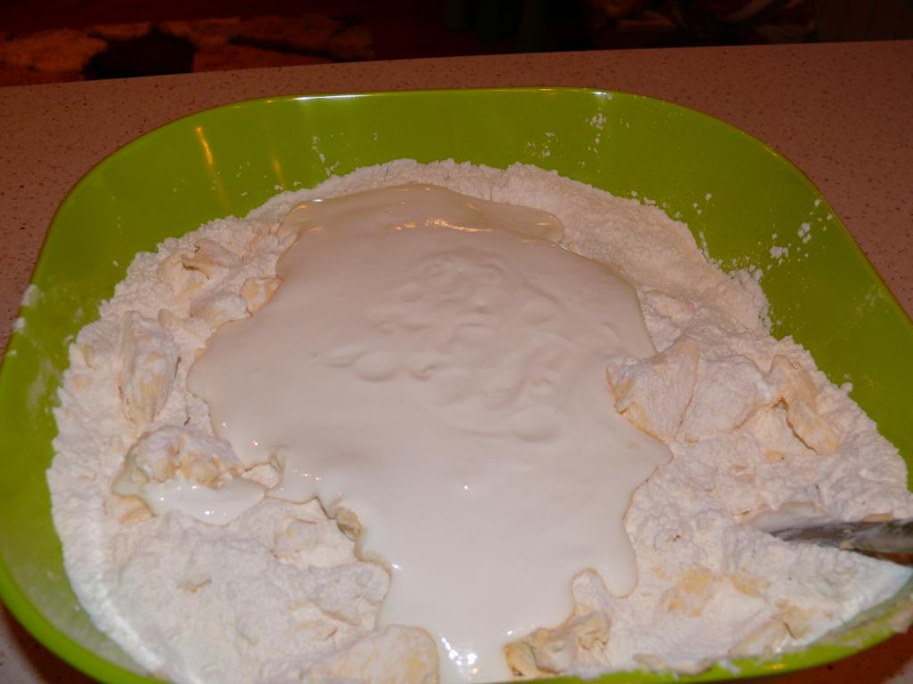 Chrupiące ciasteczka z mięsnym farszem
